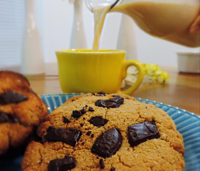 Leite de Amendoim e Cookie Vegano (sem glúten)