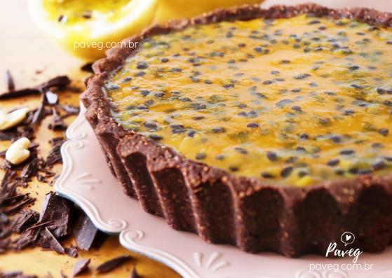 Torta Vegana de Chocolate com Maracujá (sem glúten)
